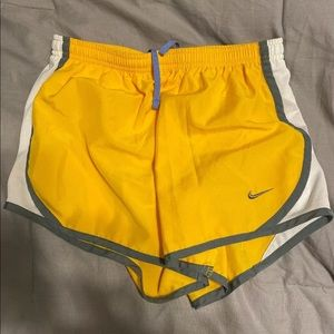 Girls Youth Size Large Nike Shorts